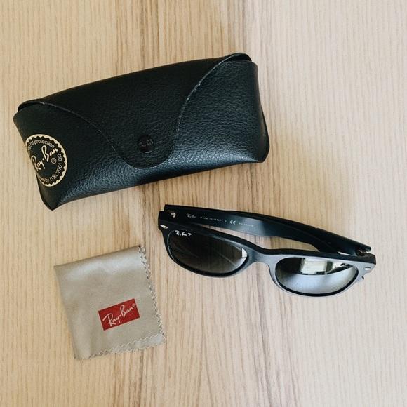 Ray Ban Men's New Wayfarer Sunglasses